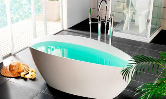 vasca-da-bagno-al-centro-della-stanza