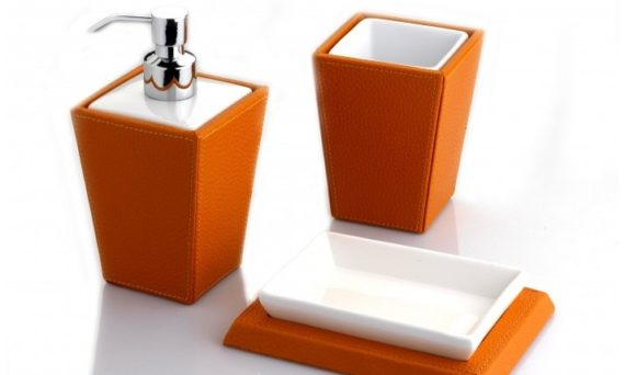 set-di-accessori-bagno-in-ecopelle