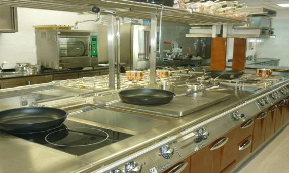 cucine-industriali-prezzi-diversi-per-ciascun-allestimento