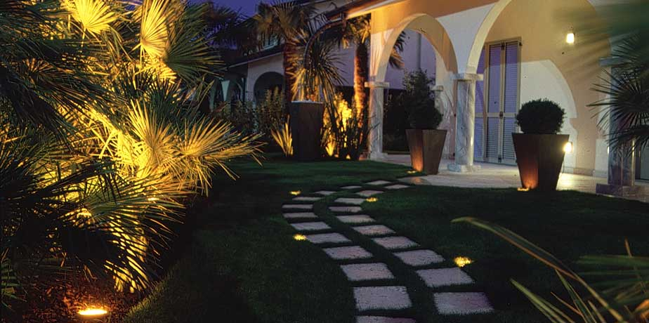 svago-e-relax-illuminiamo-con-gusto-anche-gli-ambienti-esterni-della-nostra-casa