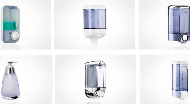 dispenser-di-sapone-liquido-nei-bagni-pubblici